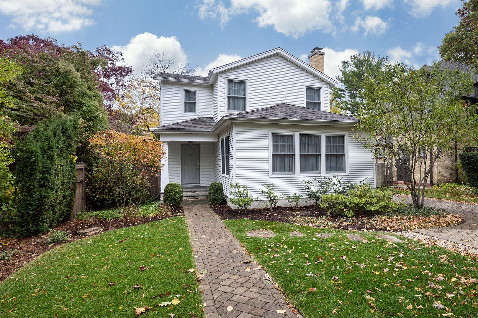 Photo for 2759 Ridge Avenue, Evanston, IL 60201 (MLS # 10921214)