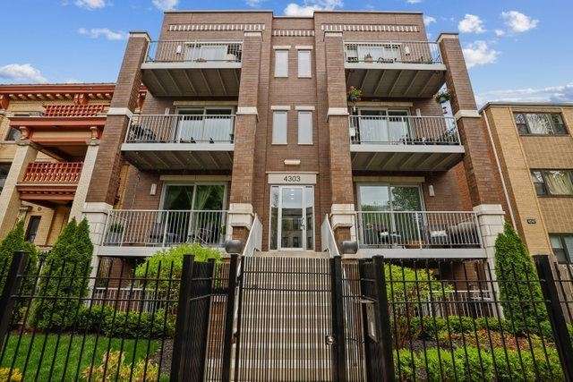 4303 N Kenmore Avenue #2S, Chicago, IL 60613 - #: 10777215