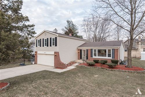 Photo of 6S111 PARK MEADOW Drive, Naperville, IL 60540 (MLS # 10727216)