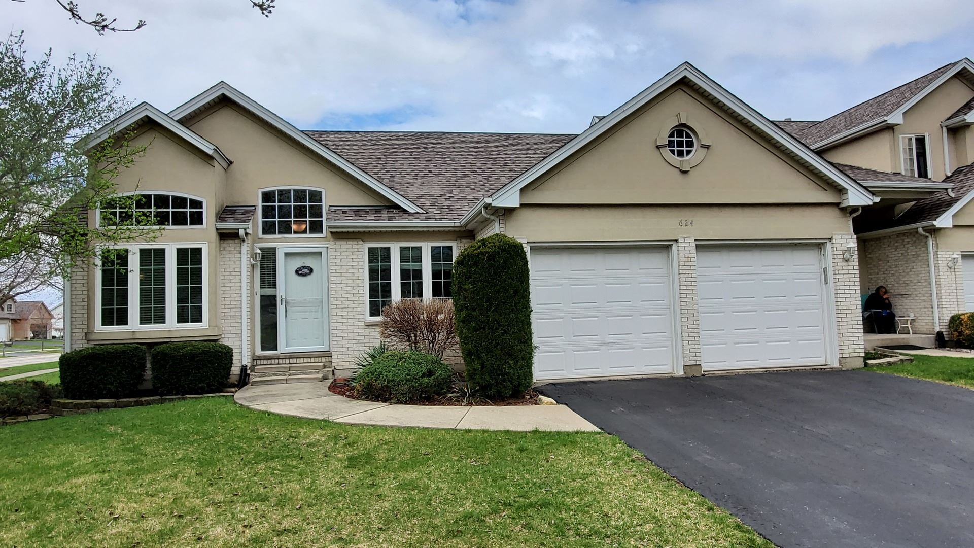 Photo of 624 Aspen Drive #0, Romeoville, IL 60446 (MLS # 11050217)