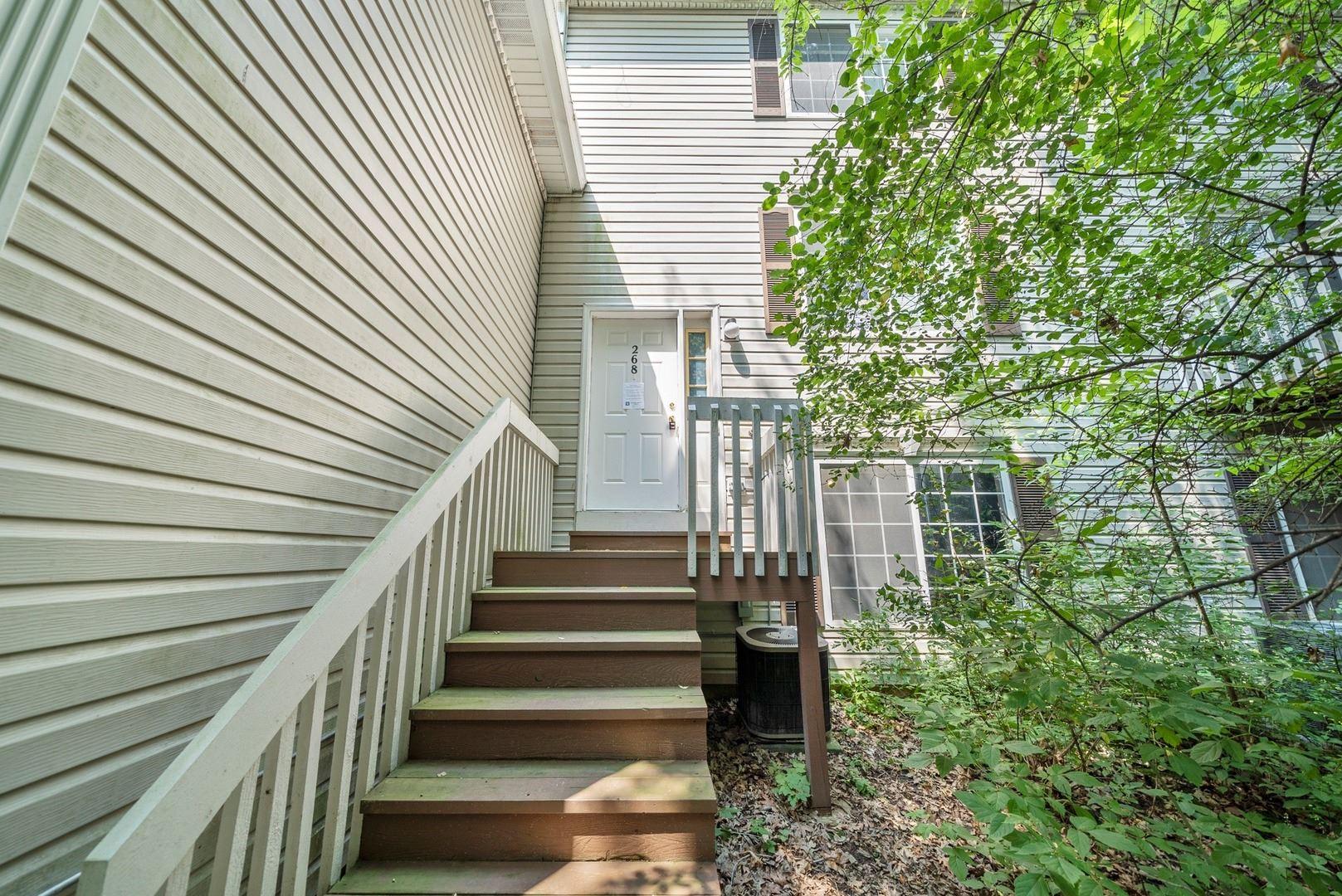 268 W TREEHOUSE Lane, Round Lake, IL 60073 - #: 10780221