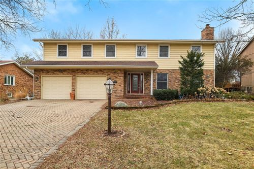Photo of 8448 Walredon Avenue, Burr Ridge, IL 60527 (MLS # 10684222)
