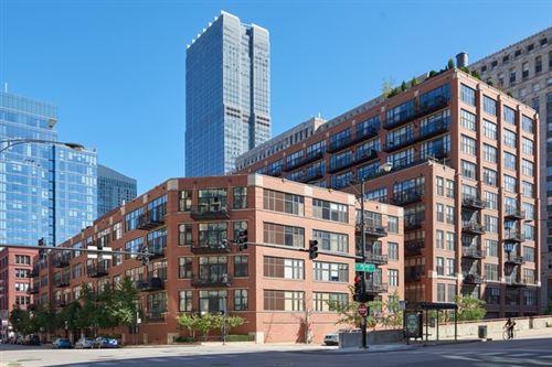 Photo of 333 W Hubbard Street #806, Chicago, IL 60654 (MLS # 11117223)