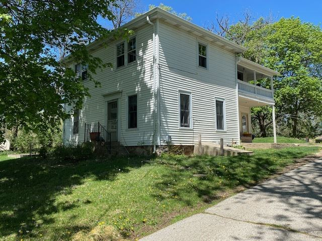 697 Lake Avenue, Woodstock, IL 60098 - #: 11021224