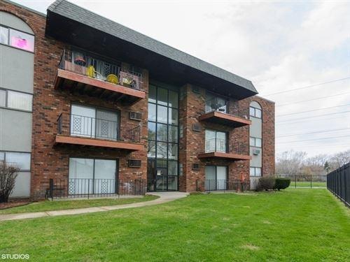 Photo of 13701 S Stewart Avenue #2W, Riverdale, IL 60827 (MLS # 10981225)