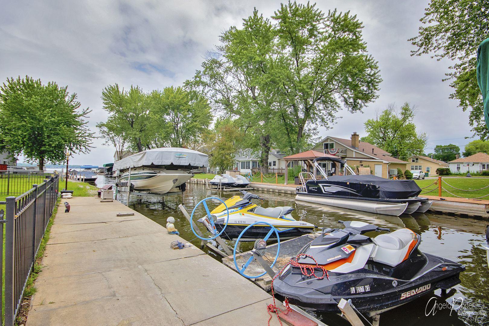 19 N York Street, Fox Lake, IL 60020 - #: 10637227