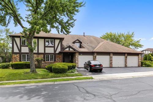 Photo of 147 Stanhope Drive #B, Willowbrook, IL 60527 (MLS # 10904232)
