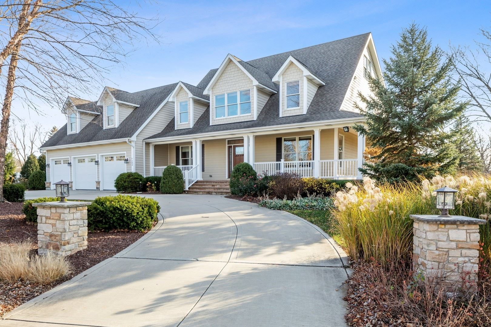743 67th Place, Willowbrook, IL 60527 - #: 10942233