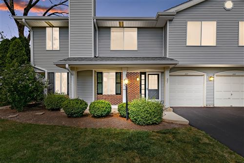 Photo of 327 Coventry Court, Clarendon Hills, IL 60514 (MLS # 11212234)