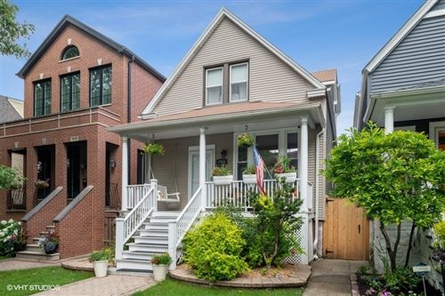 Photo of 1916 W Nelson Street, Chicago, IL 60657 (MLS # 10761235)