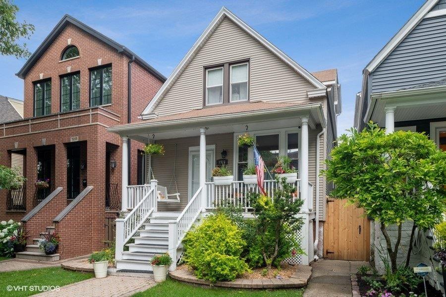 1916 W Nelson Street, Chicago, IL 60657 - #: 10761235