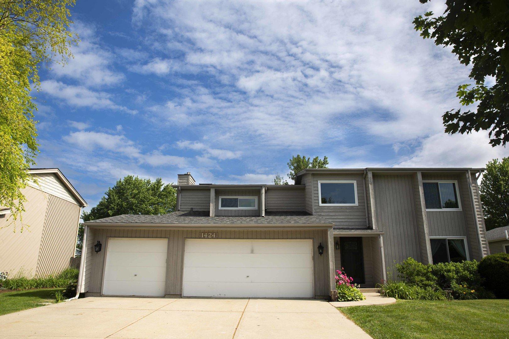 Photo of 1424 Comanche Drive, Bolingbrook, IL 60490 (MLS # 11128235)