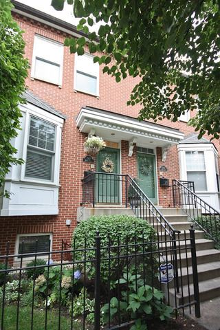 Photo of 242 W Scott Street, Chicago, IL 60610 (MLS # 10953239)