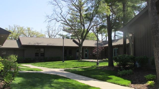 4302 W Crystal Lake Road UNIT F, McHenry, IL 60050 - #: 10171242