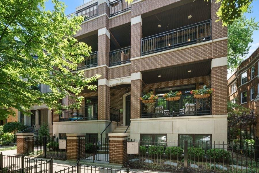 735 W Brompton Avenue #2E, Chicago, IL 60657 - #: 10760243