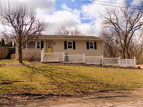 Photo of 11 Country Park Road, Streator, IL 61364 (MLS # 10674245)