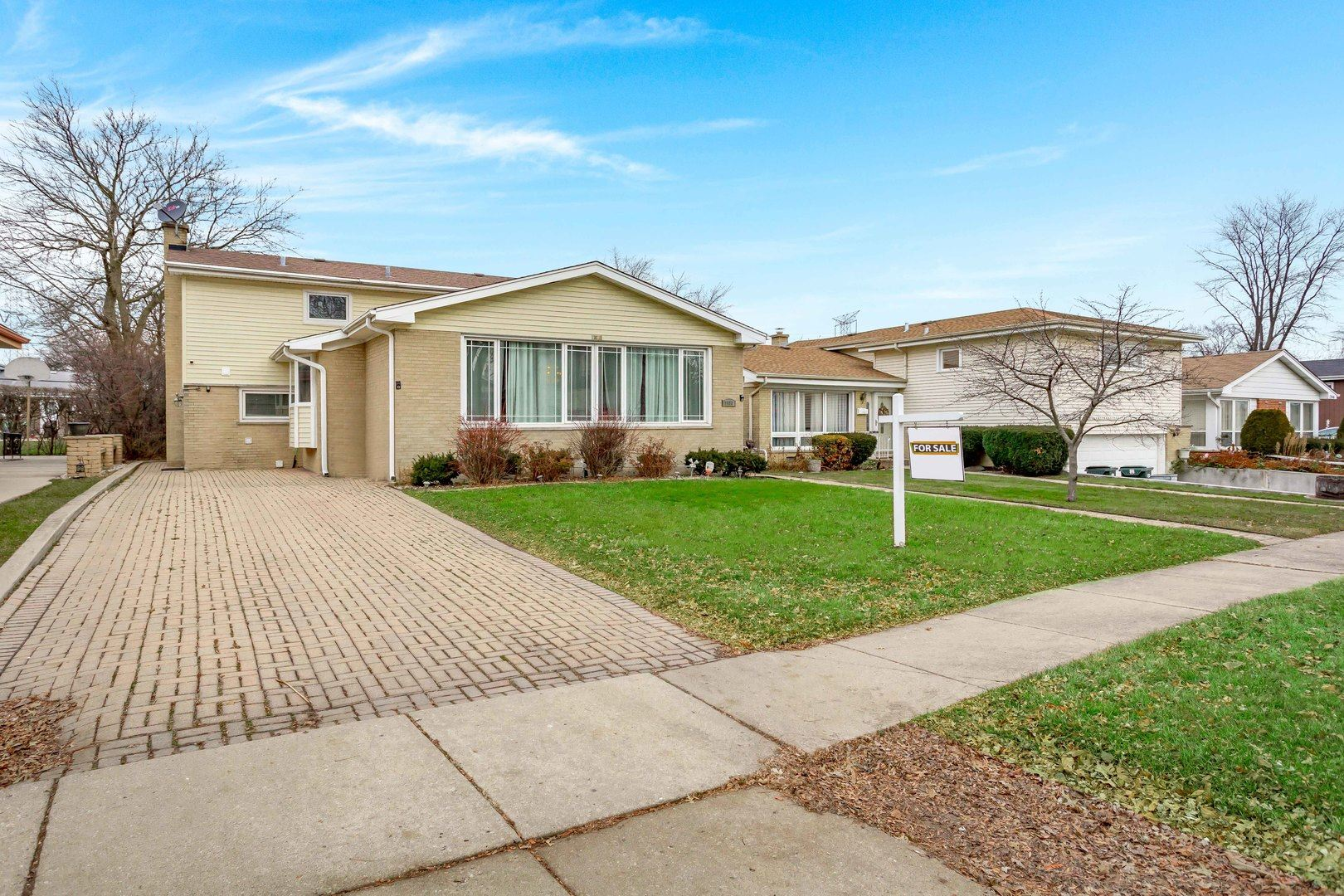 7908 Maple Street, Morton Grove, IL 60053 - #: 10590248
