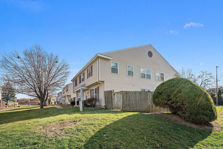Photo of 2V Fernwood Drive #2V, Bolingbrook, IL 60440 (MLS # 10946248)