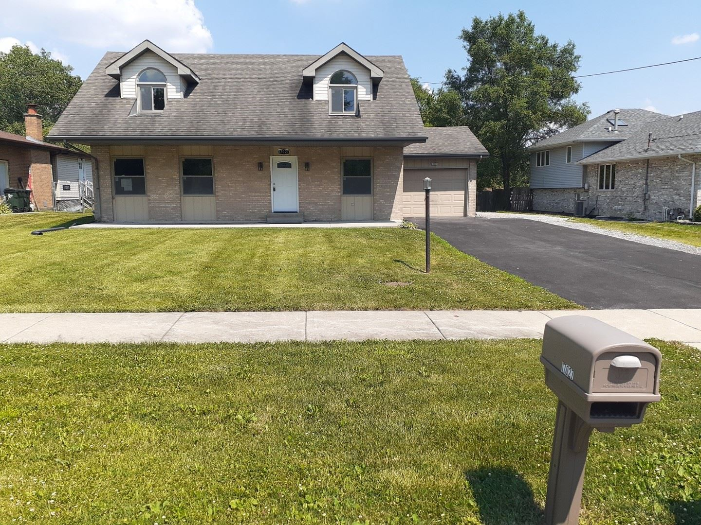 17027 Forest Avenue, Oak Forest, IL 60452 - #: 10772258