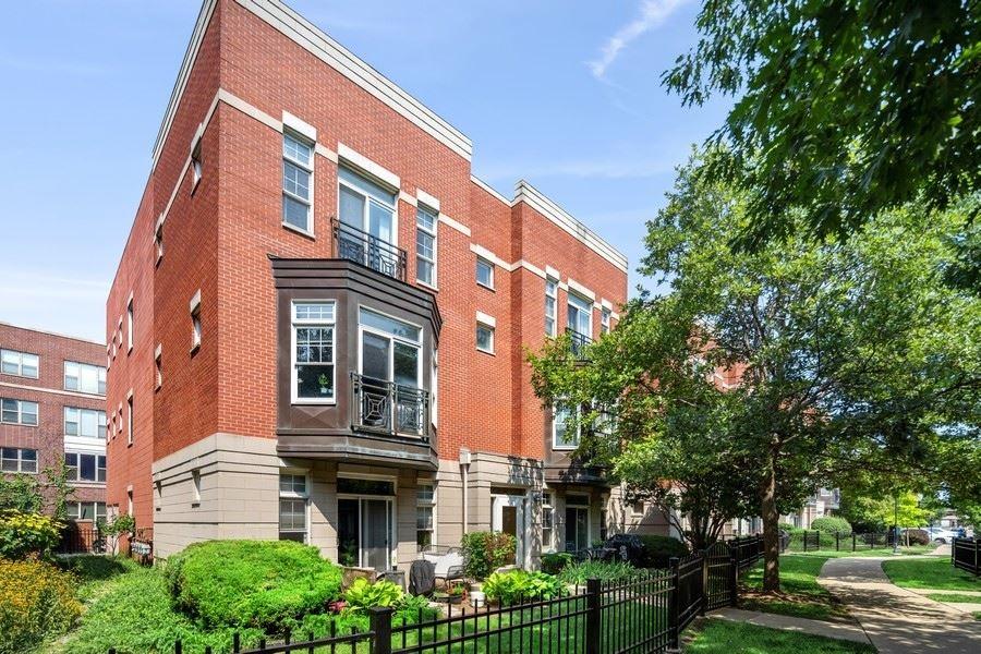 814 W University Lane #3A, Chicago, IL 60608 - #: 11230259