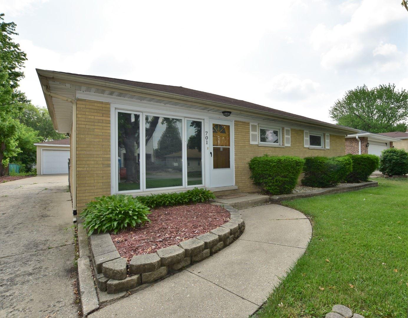 Photo of 701 N Kenilworth Avenue, Elmhurst, IL 60126 (MLS # 11123260)