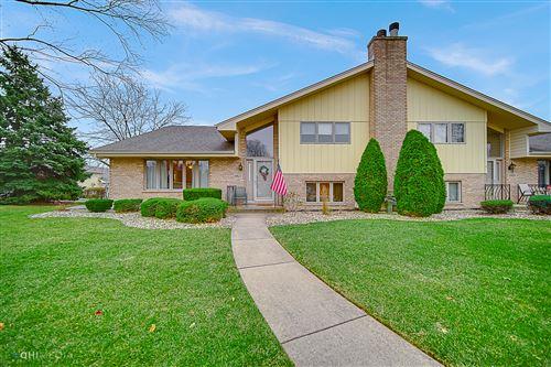 Photo of 10627 Eagle Ridge Drive #11, Orland Park, IL 60467 (MLS # 10950264)