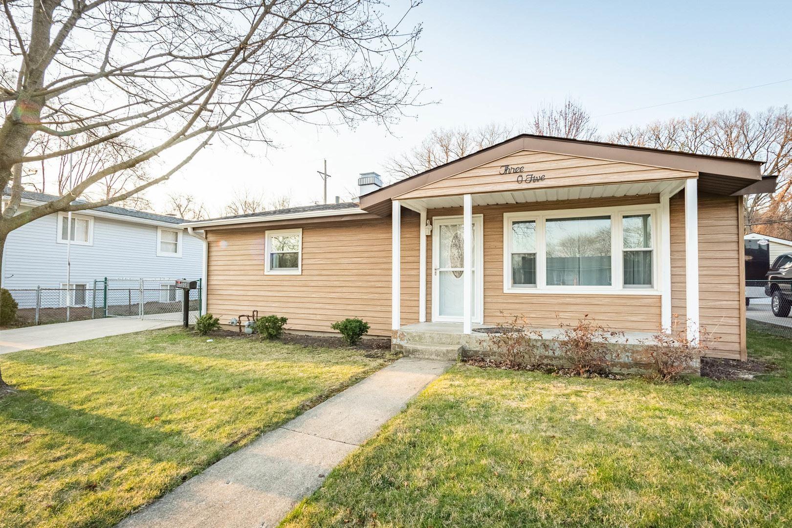 305 Delaware Street, Carpentersville, IL 60110 - #: 11040267