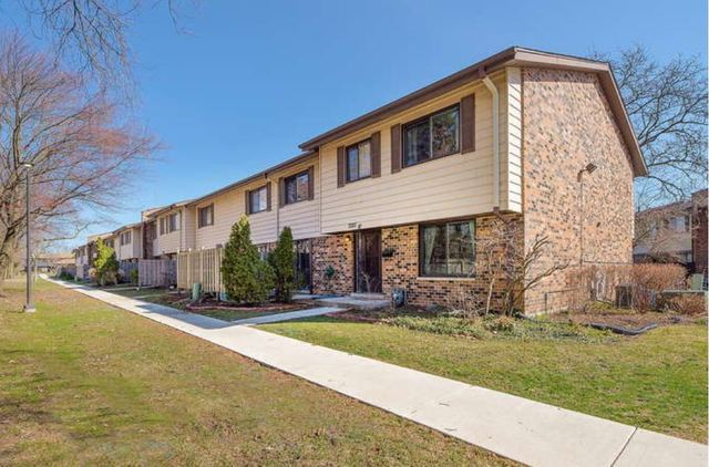 7330 Winthrop Way #10, Downers Grove, IL 60516 - #: 10667268