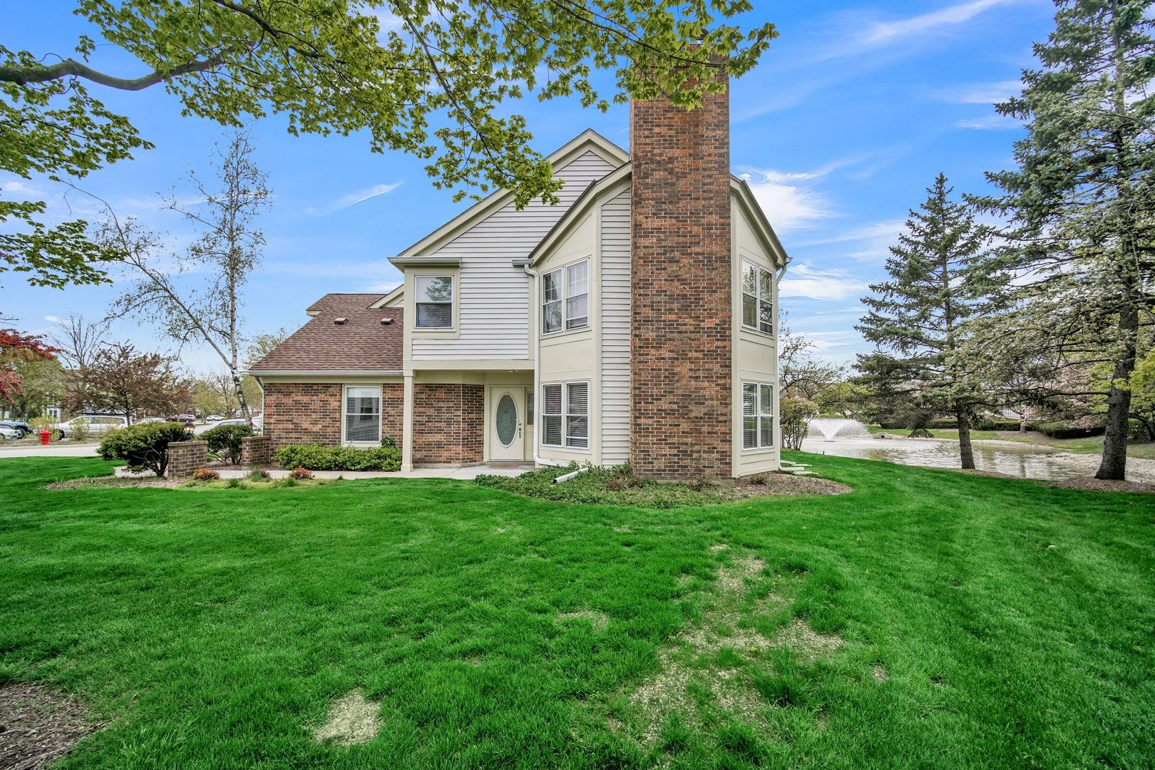 250 Willow Parkway, Buffalo Grove, IL 60089 - #: 10715269