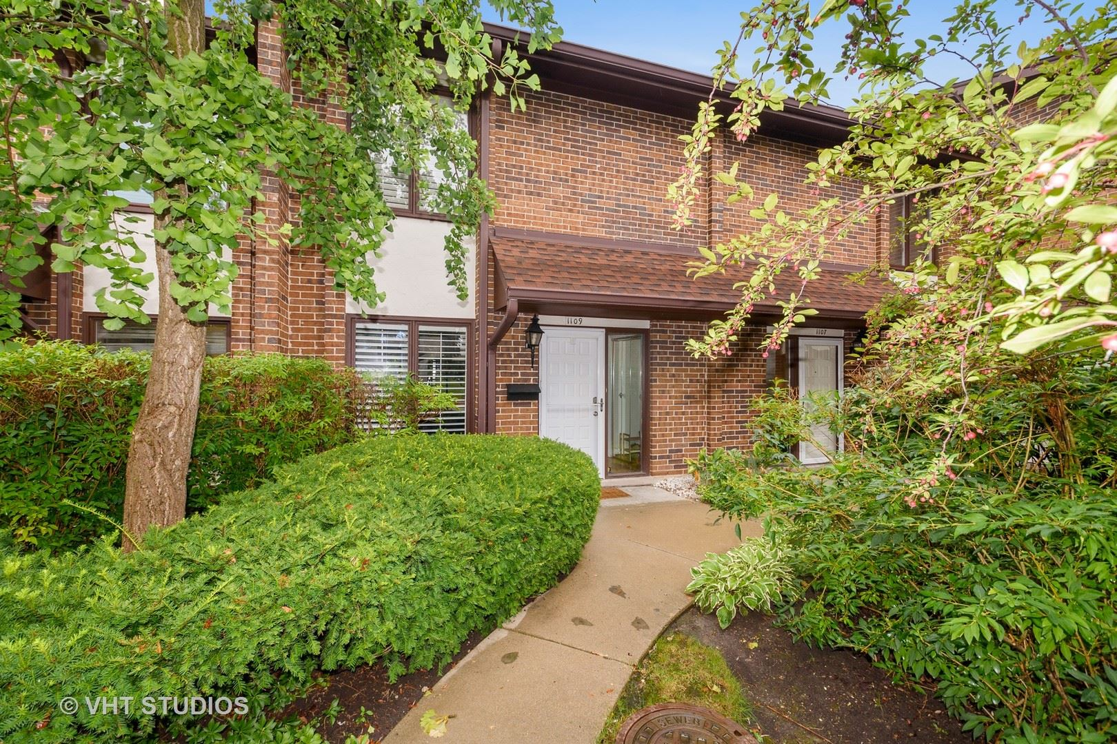 1109 Deerfield Place, Highland Park, IL 60035 - #: 11100271