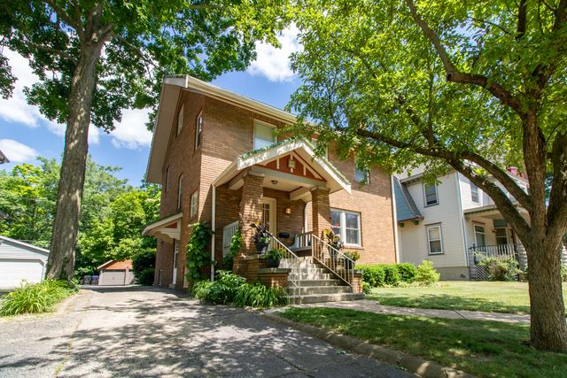 29 Whites Place, Bloomington, IL 61701 - #: 10750273
