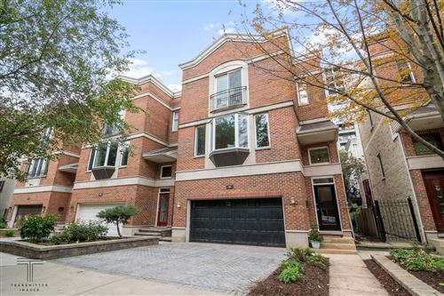 Photo of 19 W 15th Street, Chicago, IL 60605 (MLS # 11213275)
