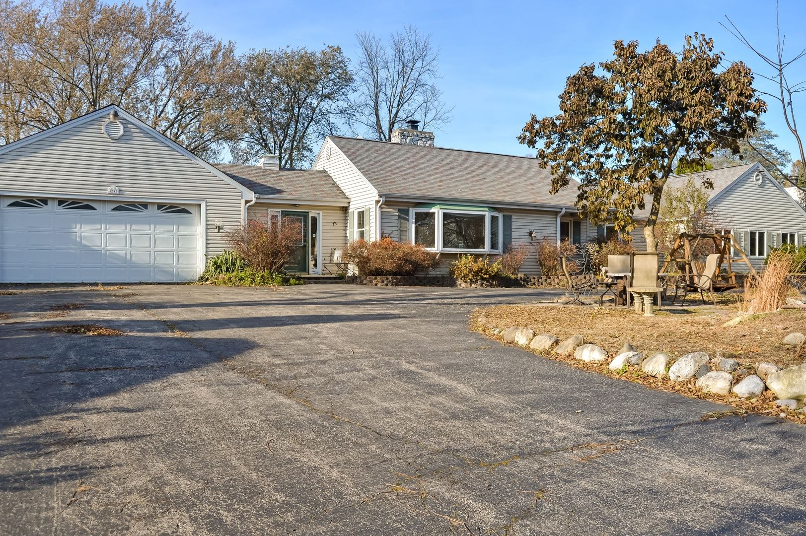 9N640 Merry Oaks Road, Streamwood, IL 60107 - #: 10725277