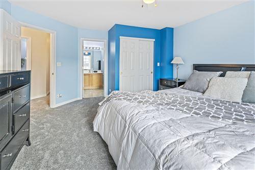 Tiny photo for 2410 Oakfield Drive, Aurora, IL 60503 (MLS # 10939279)