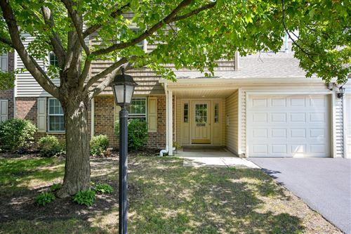 Photo of 0N073 Coniston Court #803, Winfield, IL 60190 (MLS # 11206279)