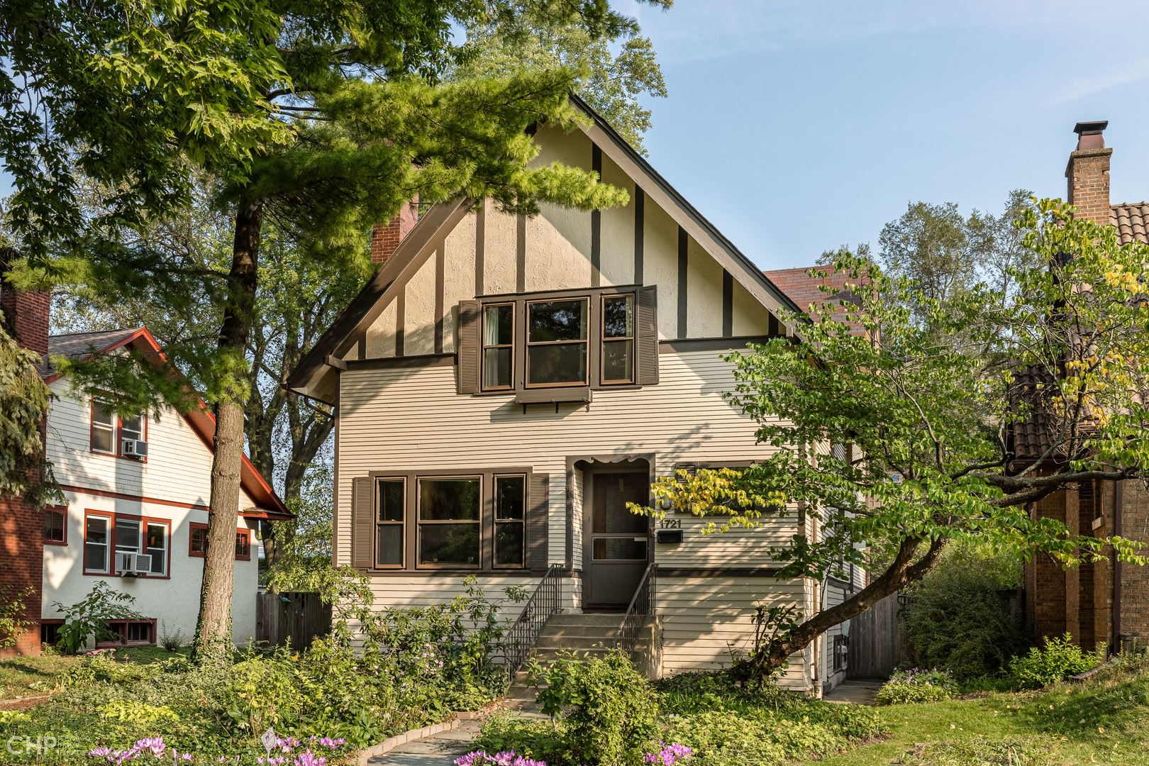 Photo for 1721 Harrison Street, Evanston, IL 60201 (MLS # 10904280)