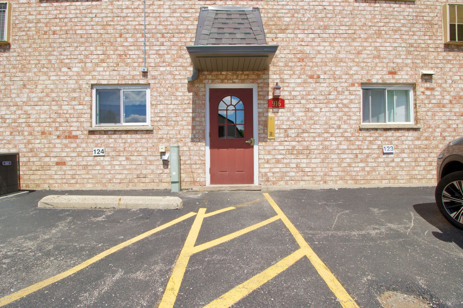 916 S Plum Grove Road #224, Palatine, IL 60067 - #: 11150280