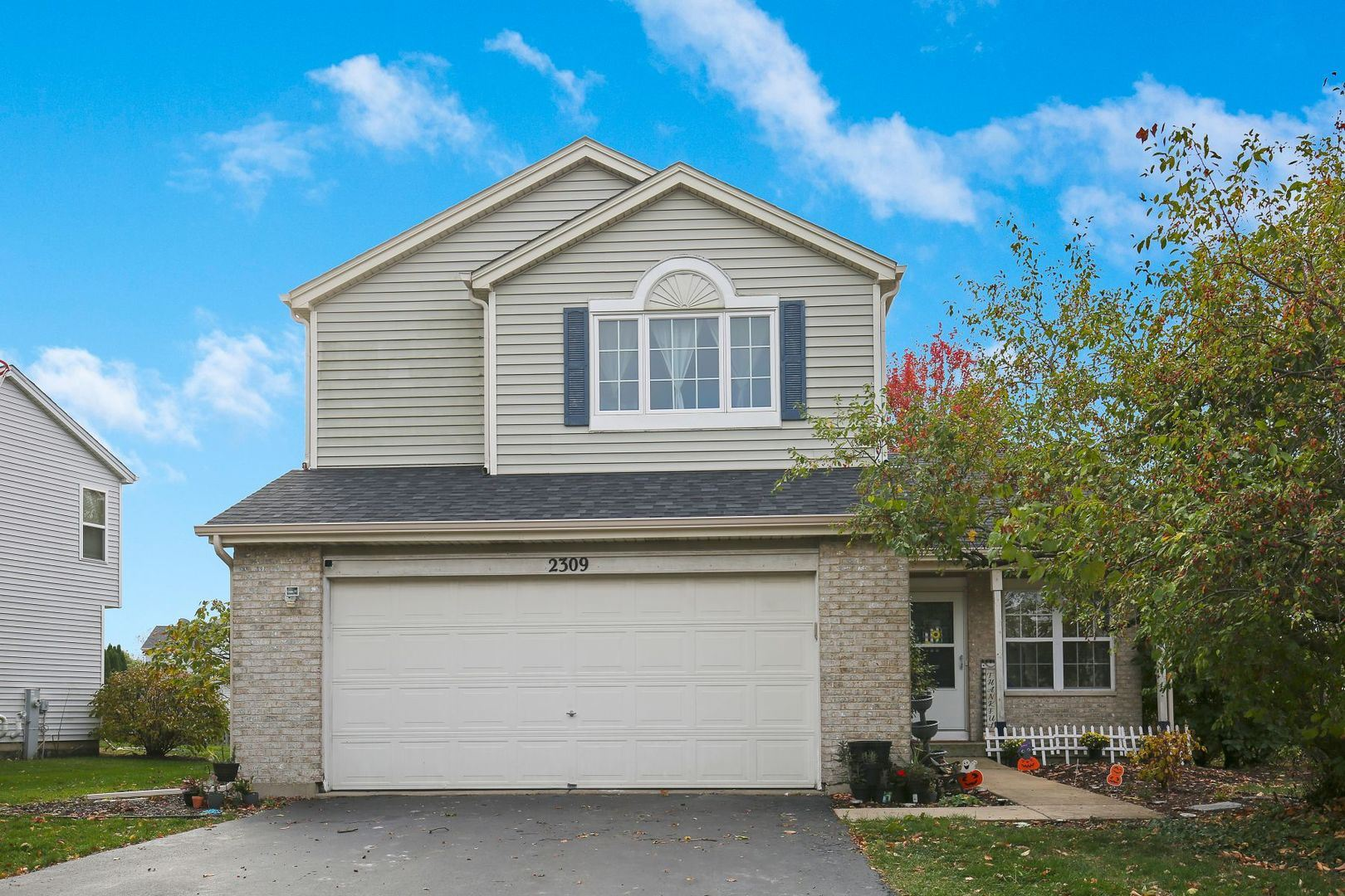 Photo for 2309 Wesmere Lakes Drive, Plainfield, IL 60586 (MLS # 10910281)