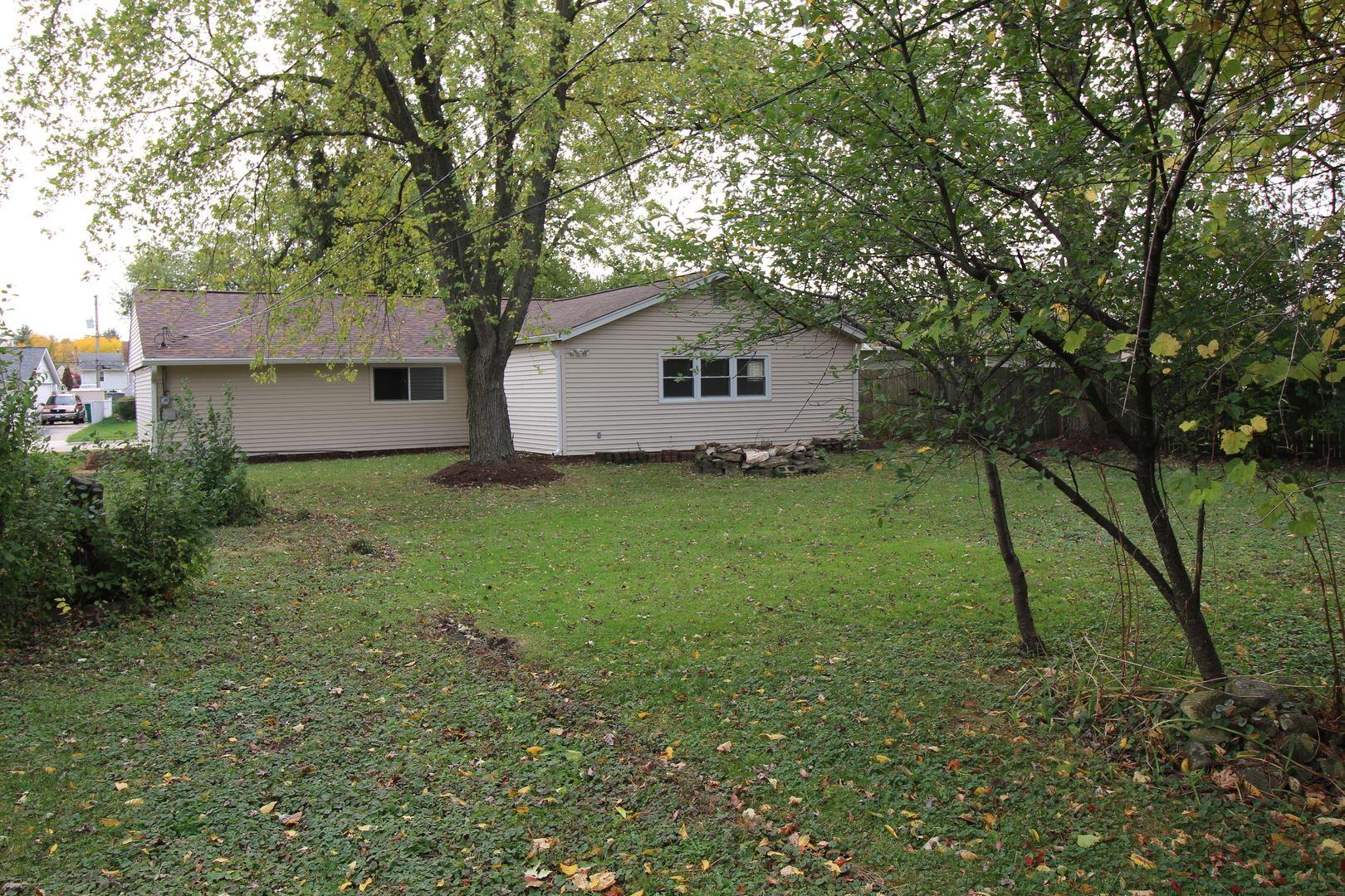 Photo of 428 Berkshire Avenue, Romeoville, IL 60446 (MLS # 10907282)