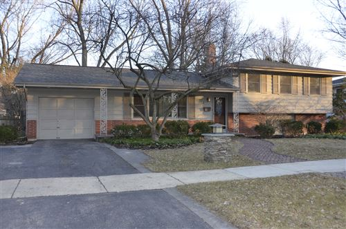 Photo of 324 W Gartner Road, Naperville, IL 60540 (MLS # 10663283)