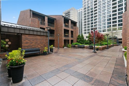 Photo of 1000 N STATE Street #4, Chicago, IL 60610 (MLS # 11145284)