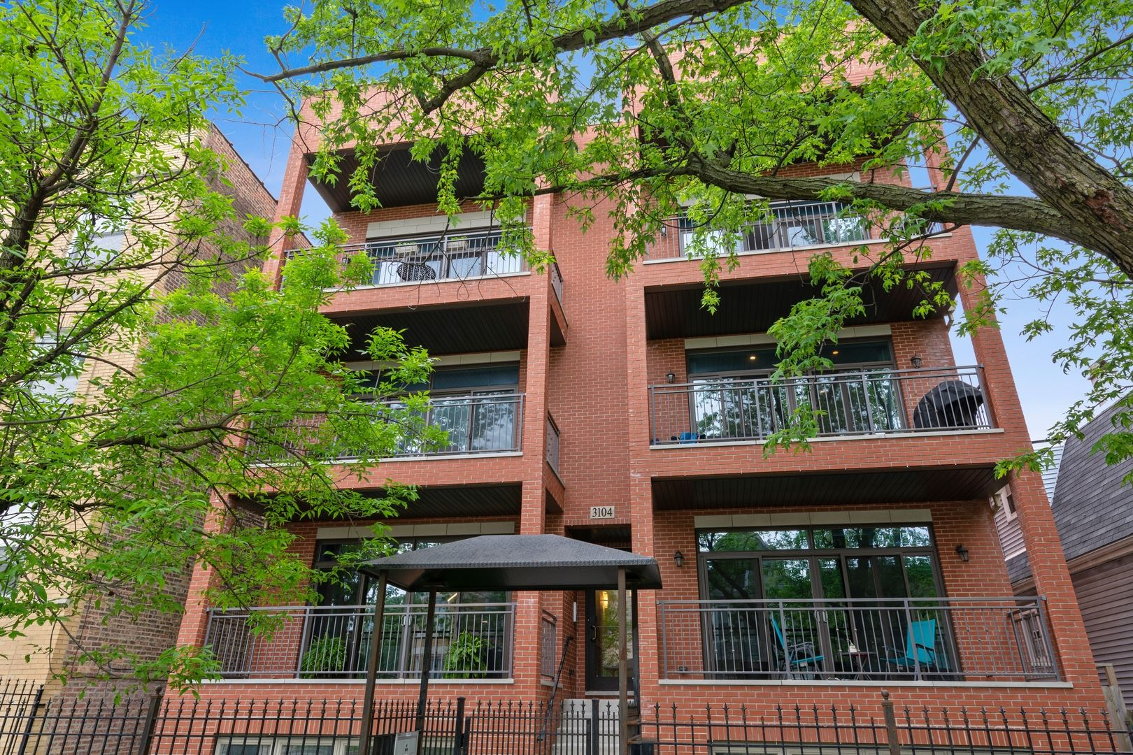 3104 N Kimball Avenue #1S, Chicago, IL 60618 - #: 10724287