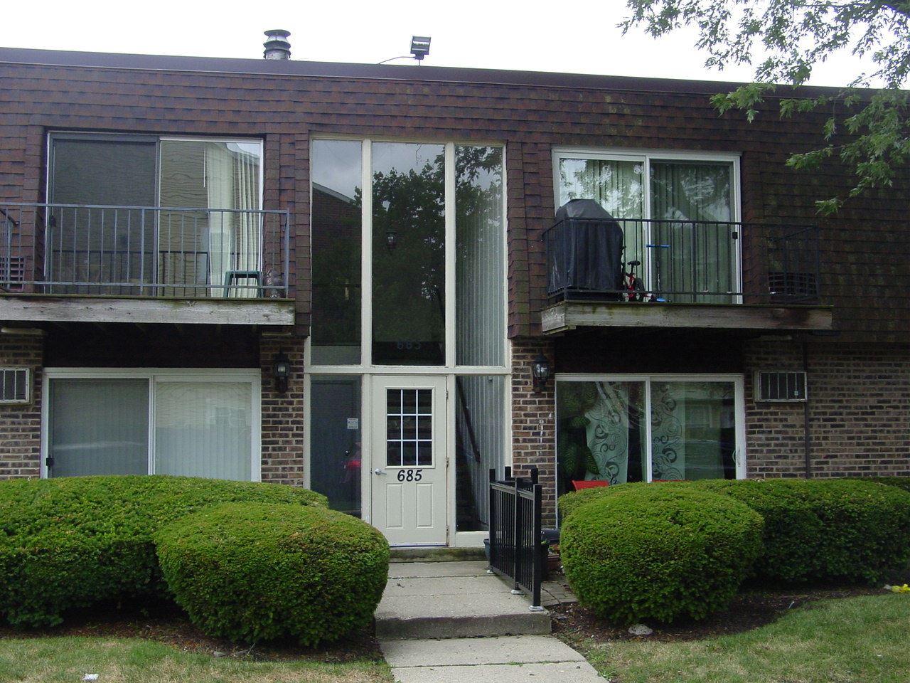 685 GROVE Drive #104, Buffalo Grove, IL 60089 - #: 10784287