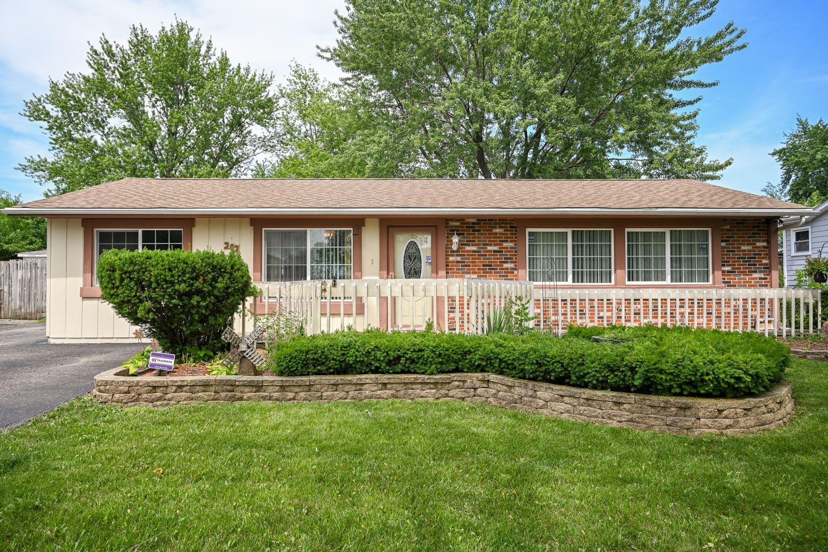 Photo of 202 Galewood Drive, Bolingbrook, IL 60440 (MLS # 11148288)