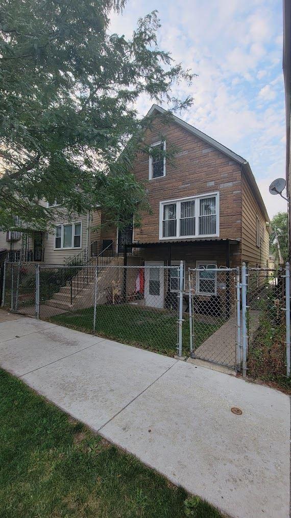4202 W Augusta Boulevard, Chicago, IL 60651 - #: 11167289