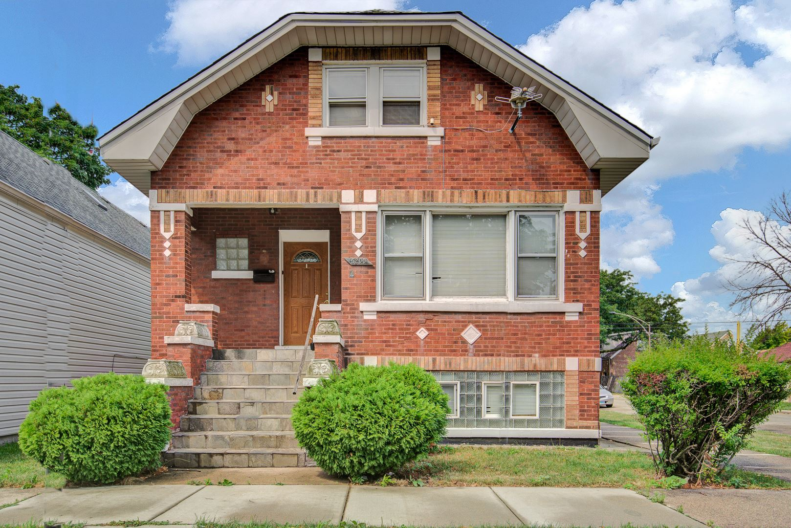 Photo for 5200 S Latrobe Avenue, Chicago, IL 60638 (MLS # 11212289)