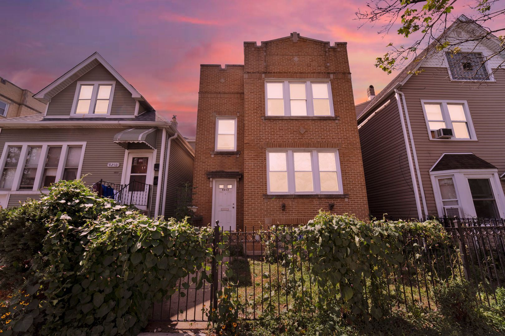 4212 N Kimball Avenue, Chicago, IL 60618 - #: 11213293