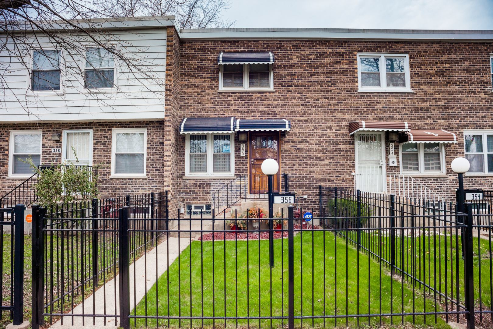 356 W 42nd Place, Chicago, IL 60609 - #: 10689294
