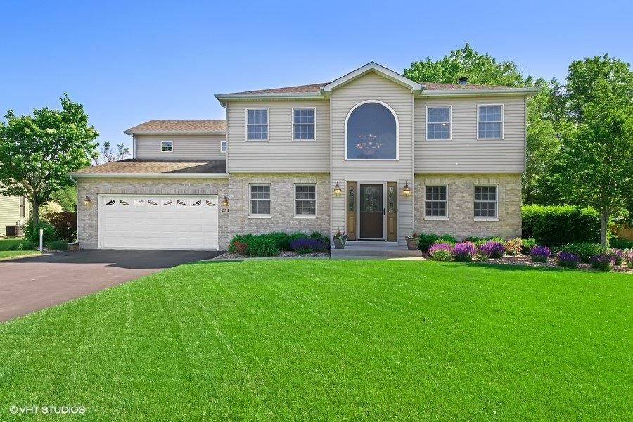 251 Clover Chase Circle, Woodstock, IL 60098 - #: 10750294