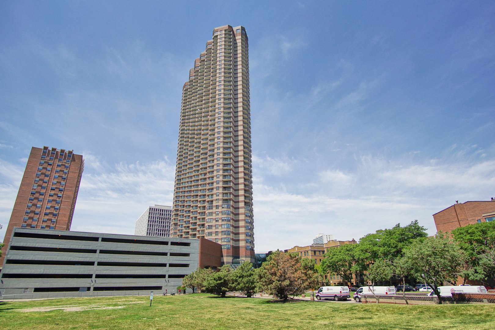 3660 N Lake Shore Drive #2201, Chicago, IL 60613 - #: 10770297